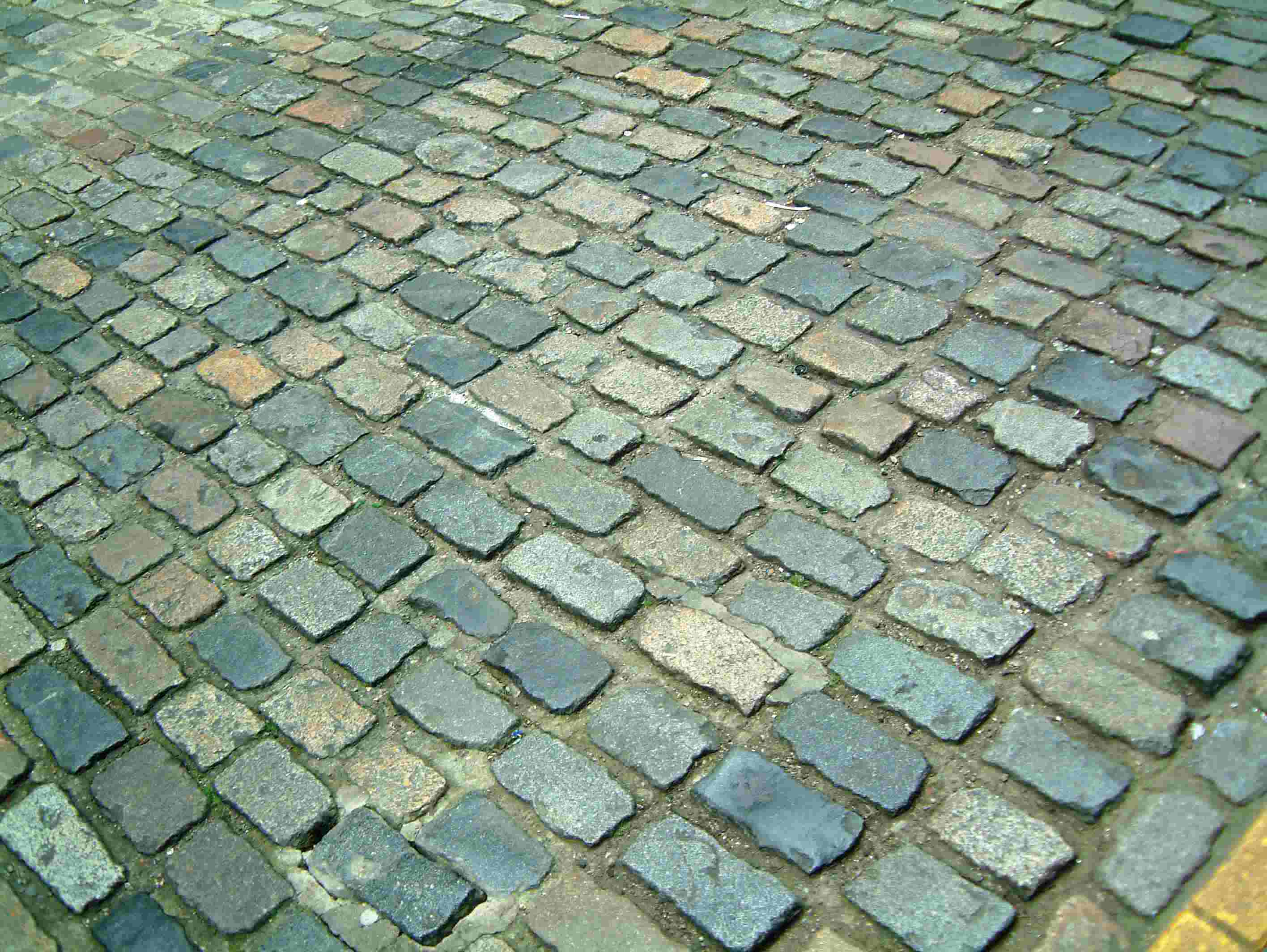 Traditional setts in Earlham Street East, 1992 works.