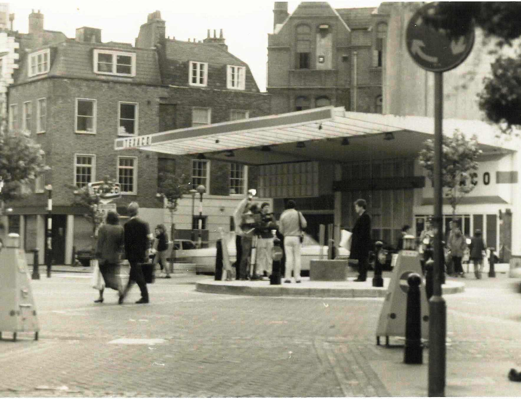 Petrol station on the Dials, c.1984, now Fielding Court. Sale of site intitiated by The Trust.