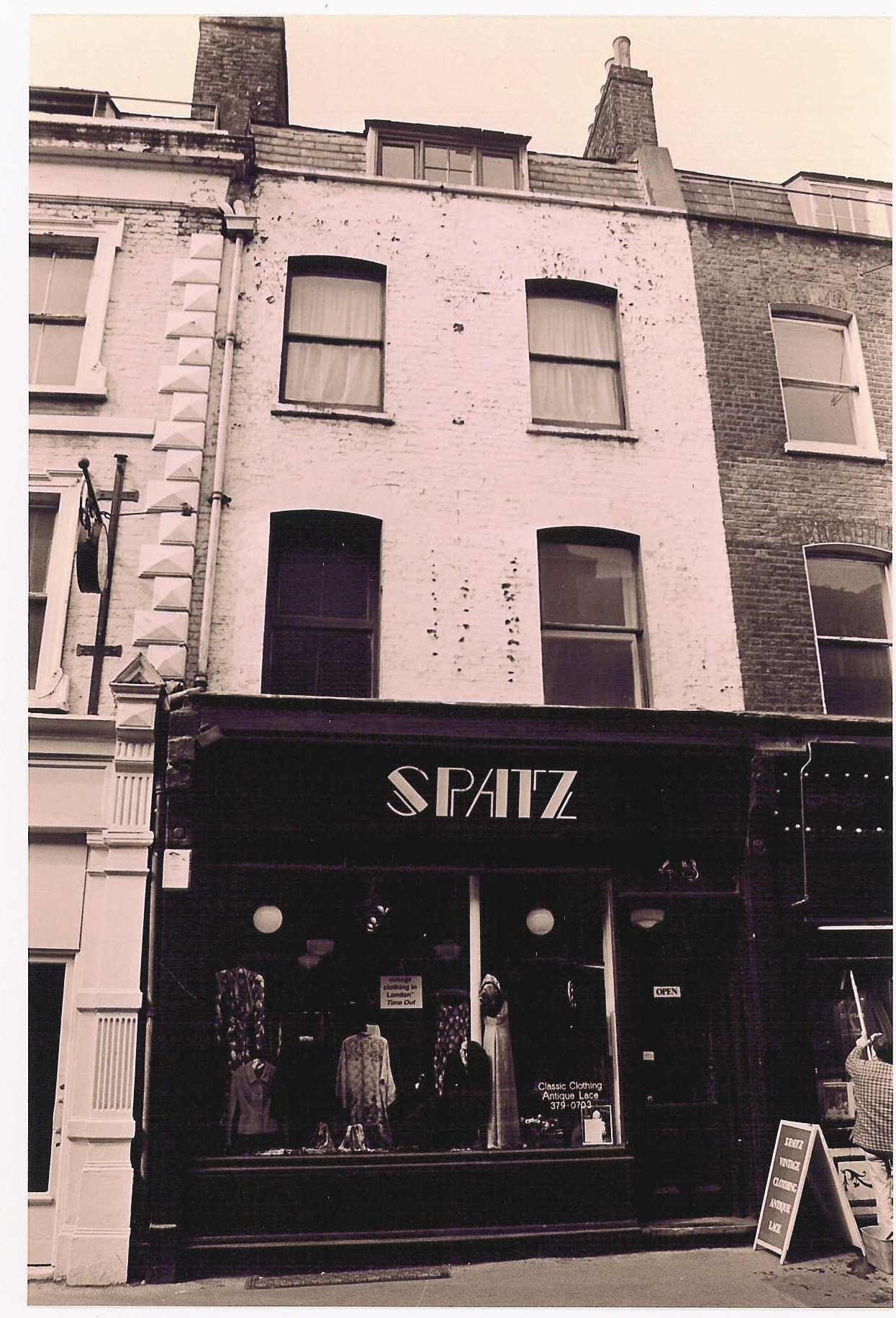 48 Monmouth Street c.1990, before restoration.