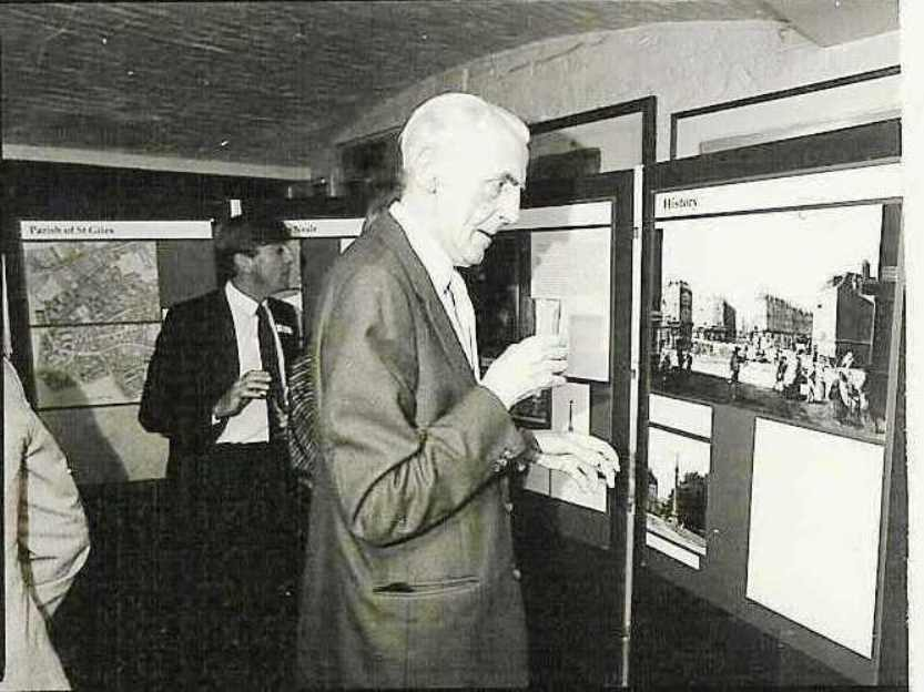 Founder trustee Sir John Summerson viewing the Exhibition created by The Royal Opera House