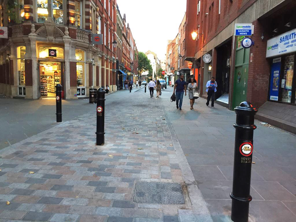 Earlham Street West New Bollards 2018